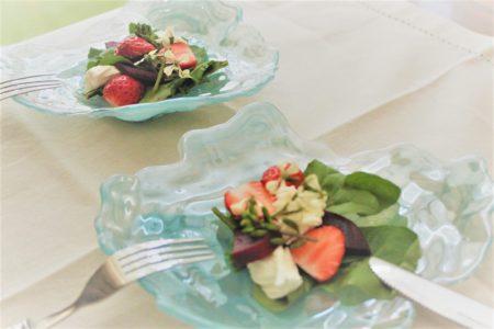 【レシピ紹介】ビーツとイチゴのサラダ